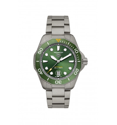 43 mm Green Dial and Titanium Bracelet with Calibre 5 Automatic Watch Aquaracer Professional TAG Heuer | Ferro Gioielli